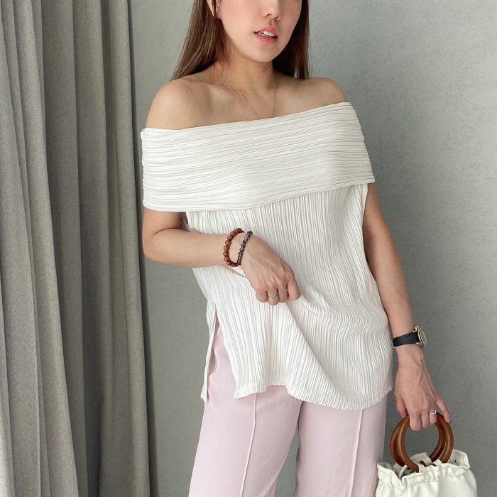 Boat Neck Fully Pleated Top